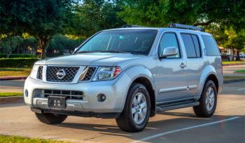 Nissan Pathfinder SE full