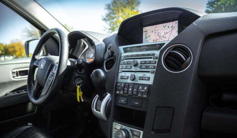 Honda Pilot Touring Sports Utility Vehicle full