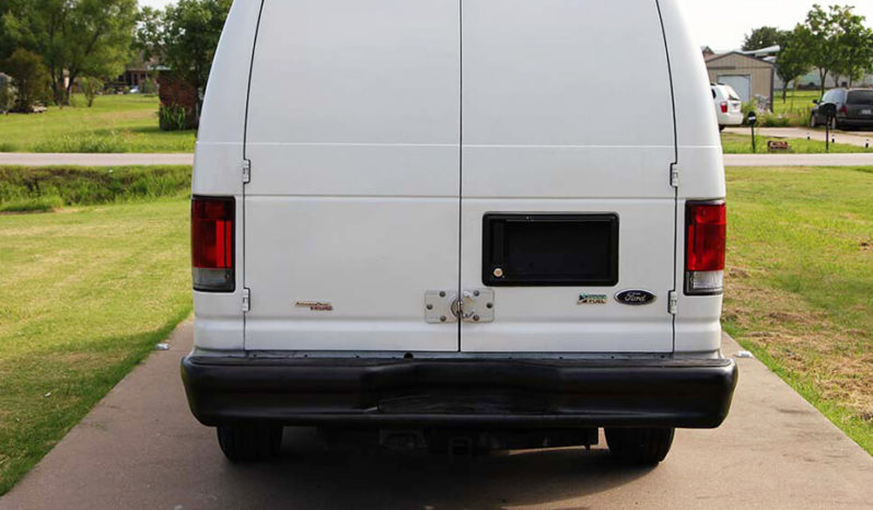 2011 Ford Econoline Van Cab-Chassis 2D full